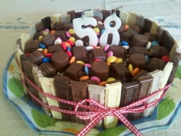 bolo-decorado-e-cupcakes-da-carla